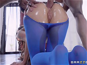 kinky lubed up Nikki Benz thrashed in her caboose