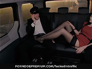 boinked IN TRAFFIC - Footjob and car fuckfest with Tina Kay