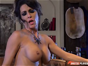 Halloween special with beautiful Jessica Jaymes gobbling her prize