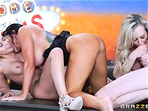 hot messy fun with Brandi love and her chicks