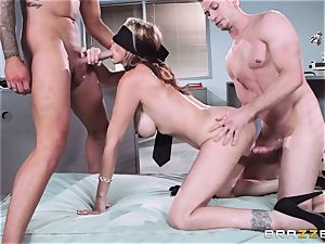 sumptuous chief Julia Ann gets a double creaming