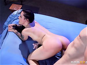 Katrina Jade gets a pussyful in a chased mansion