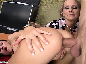 Sasha Rose gets her killer arse jammed by a throbbing man rod