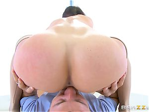 Kendra lust gives her fans exactly what they want