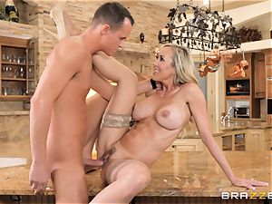 nailing milf Brandi love balls deep