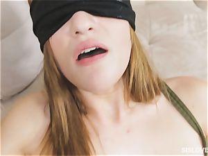 Peyton Robbie porked blinded
