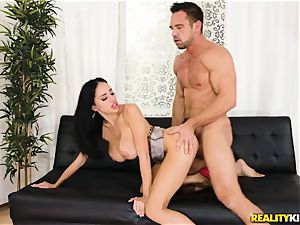Victoria June picked up by draped Johnny and drilled in her fleshy vulva