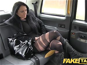 faux taxi Local hooker screws cab fellow