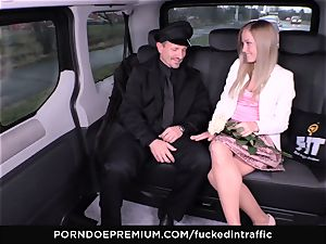 boinked IN TRAFFIC - spunk on bum for super-naughty slim ash-blonde