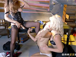 Jenna Sativa and mates enjoy fantastic lesbo threeway