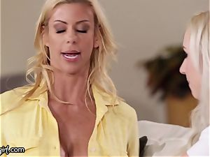 Lexi Belle Won't Stop trying to penetrate mummy, Alexis Fawx
