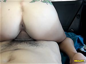 insane stunner Dakota Vixen picked up and drilled in the car