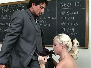 Classroom ultra-cutie Britney Amber gets a lesson in giving head