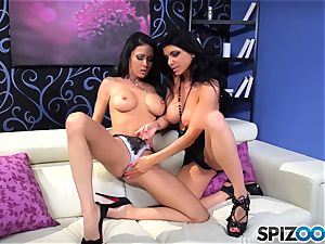 Jessica Jaymes and Romi Rain enjoy to munch on minge