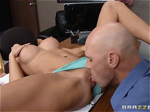 stellar student Ashley Sinclair pulverizes for a new career