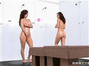 Reena Skye and Aidra Fox lezzy shower friends