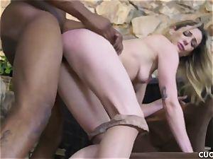 dark-hued dude boinks his manager bitchy wife Dahlia Sky