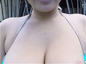 Karlee Grey loses her bikini to pummel her beau