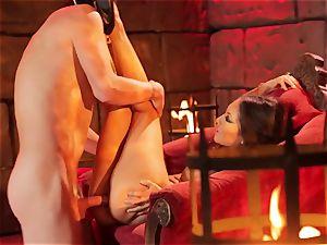 Asa Akira gets her warm lips lush a ginormous lengthy wood
