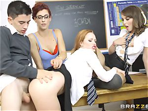 successful schoolgirl Jordi gets into 3 super-steamy coochies at college