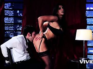 hot Swinger Romi Rain disrobes And Blows Her client