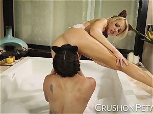 Peta Jensen and Alix Lynx kinky elastic bath fun