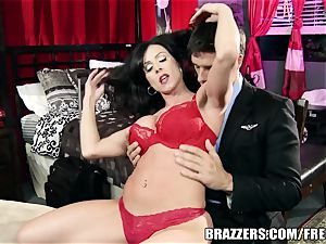 Brazzers - Kendra enthusiasm takes what she wants