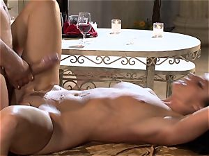 India Summers India Summers is liking the phat sausage pleasing her steaming vulva har
