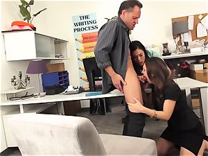 educators London Keyes and Jade Nile nail a college girls daddy