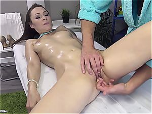 nice Eurobabe gets her lubed slit fingerblasted