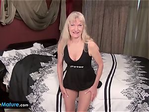 EuropeMature blondie unshaved grandmothers Cindy and Sami