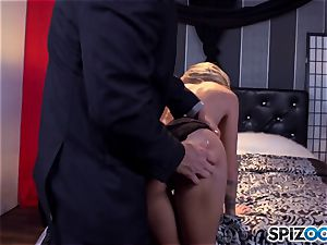Jessa Rhodes sugary-sweet cock-squeezing gash is boned by a hefty salami