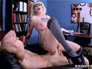 Dean Johnny Sins holds a intercourse education lesson with a lustful schoolgirl