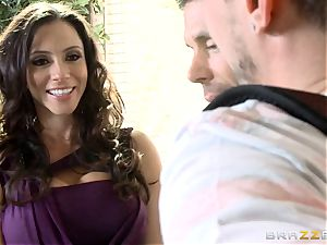 steamy cougar Ariella Ferrera fellates her stepsons beef whistle
