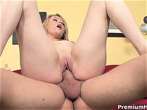 Scarlett Sweets chewing a twat on cam