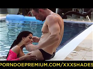 hardcore SHADES - Latina with phat arse in xxx pool hump
