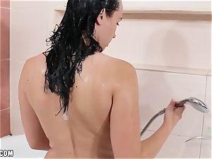 Viki bathing with a pubic hair