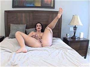 Alison Tyler jerks with a glass fuck stick for you