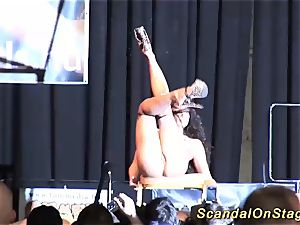 Flexi babe spreads her legs in public