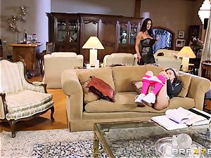 childminder Belle Knox seduced by Kendra fervor and her boy